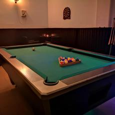 Paparazzi Club & Pub