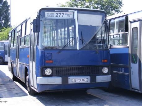 Ez a busz konkrétan eladó (fotó: Gyenes Viktor/indafotó)